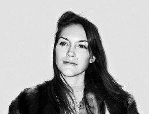 Brita Zackari - Programledare, influencer och manusförfattare