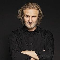 Fredrik Westin - Rockare, låtskrivare, chef och pappa