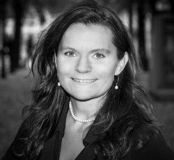 Mia Liljeberg - Ingenjör, författare och visuell brobyggare
