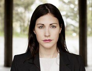 Nour El-Refai (foto Ida Halling) - Skådespelare, komiker och författare