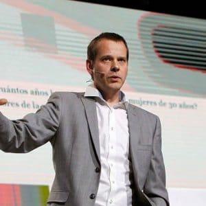 Ola Rosling, föreläsare, utvecklare, dataexpert, datavisualisera